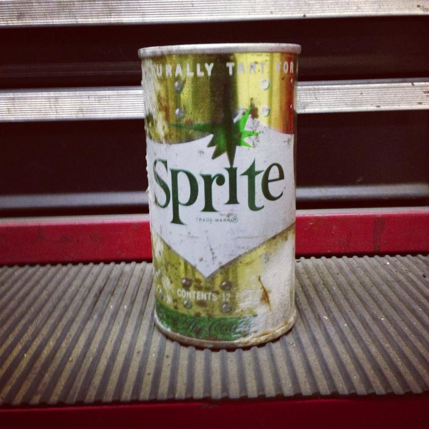 vintage sprite can soda pop